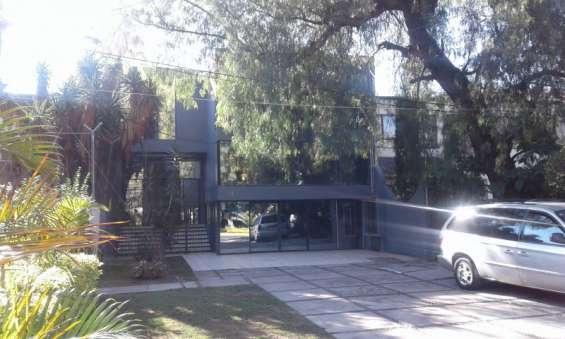 Chapalita 1321. avenida. oficinas en renta en planta alta.