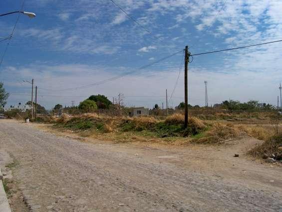 Esquina de una hectarea ideal para desarrollo o inversion