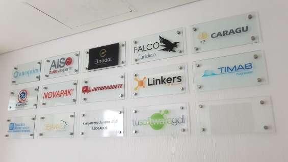 Logos de empresa.