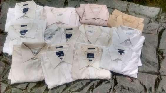 Vendo 13 camisas de vestir en muy buen estado; diversas marcas !