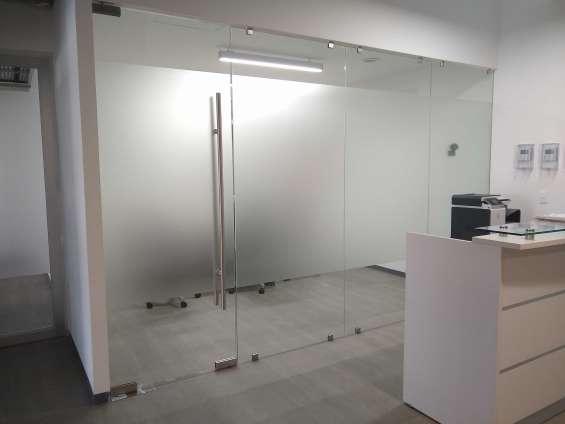 Fotos de Hermosa oficina en renta con 3 filtros de seguridad. 5