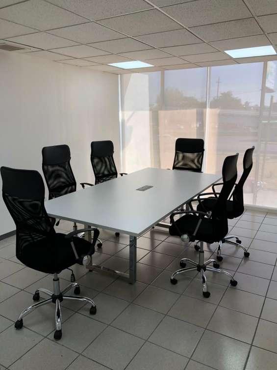 Tus reuniones merecen una bella sala de juntas, tenemos para ti mas de 45 ubicaciones