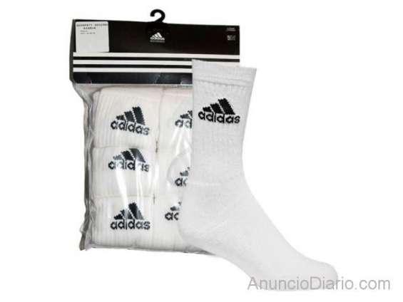 Empaca calcetines adidas en casa/$3000 semanales